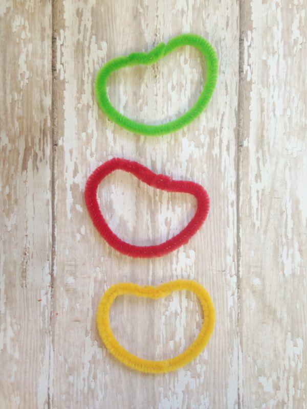 DIY Chenille Apple Crafts for Kids apple shape