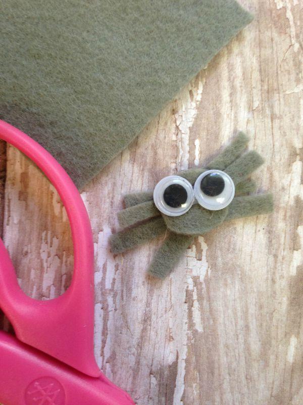DIY Doily Spiderweb Craft for Kids spider