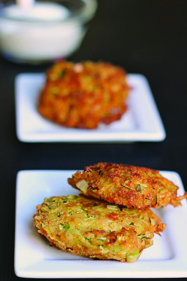 Zucchini Fritters Recipe- These zucchini cakes, dipped in homemade ranch dressing, make a delicious side dish for suppers or a great snack on their own.