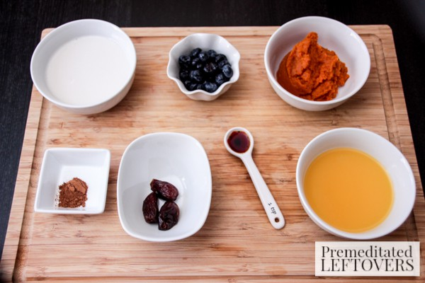 Pumpkin, Blueberry and Date Smoothie ingredients