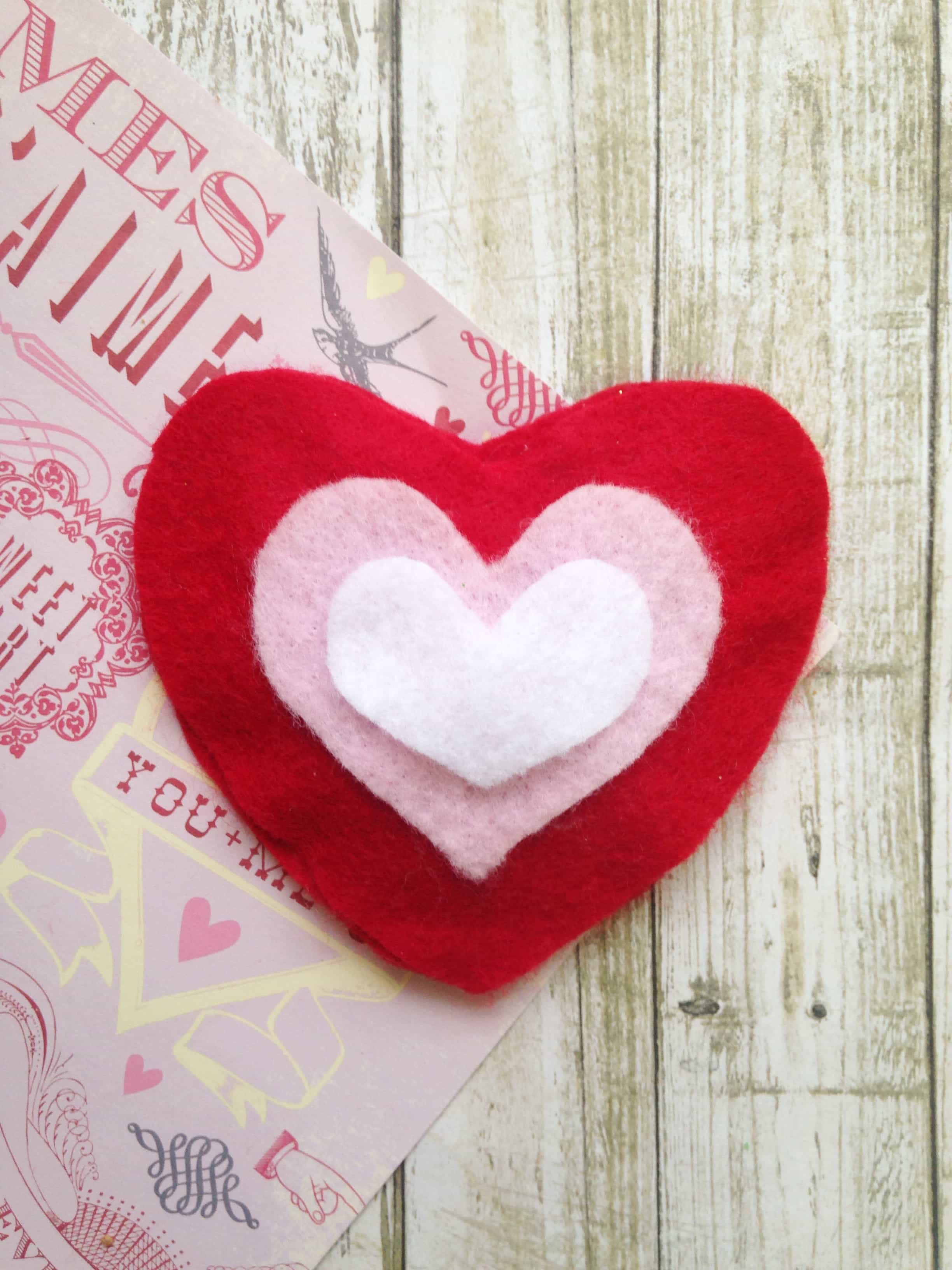 DIY essential oil scented Felt Heart Sachet tutorial