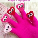 5 Little Sweethearts Homemade Finger Play Gloves- Bring your songs and rhymes to life with these playful heart gloves. Kids will love this easy craft!