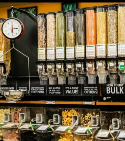 The Do's and Dont's of Buying in Bulk. Tips for buying bulk food. How to Shop smart and maximize savings.