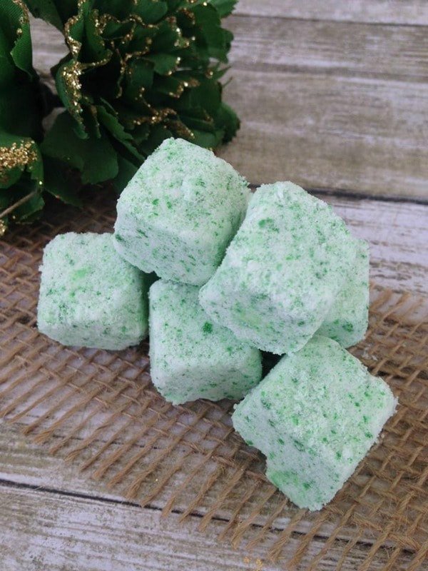Homemade Peppermint Bath Bombs final