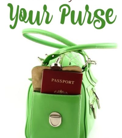 How to Organize Your Purse- Tired of the mess in the bottom of your purse? Here are some tips to help you get your bag organized!