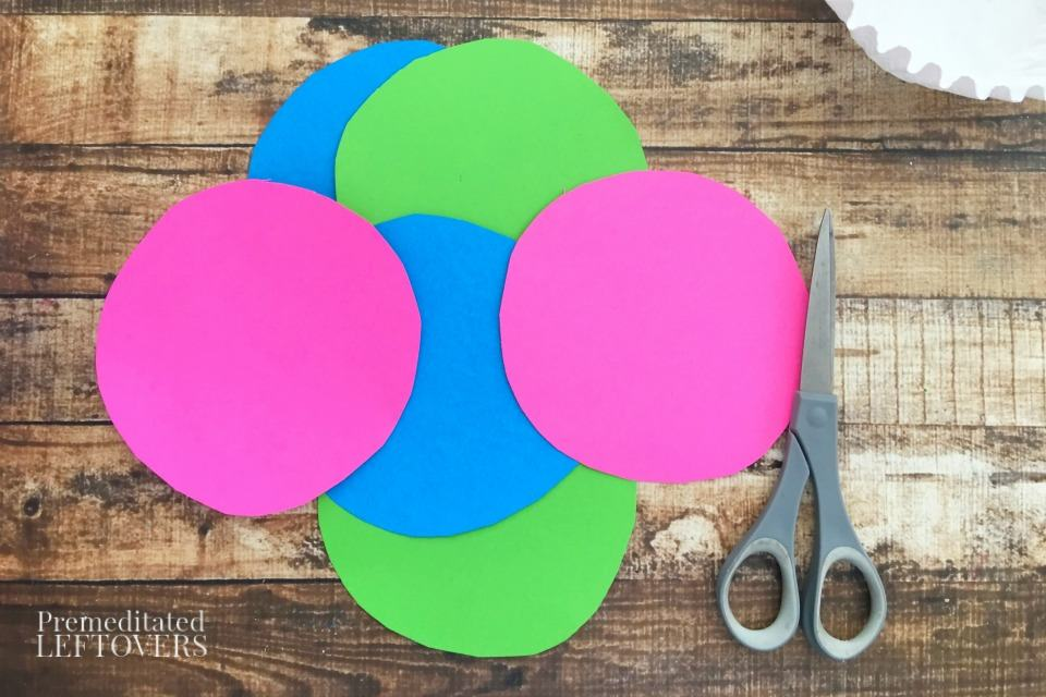 Coffee Filter Jellyfish Craft - cut construction paper circles