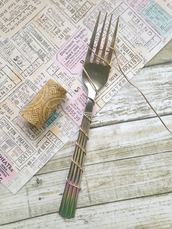 DIY Wire Wrapped Wine Cork Garden Crafts- wrap fork