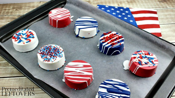 Patriotic White Chocolate Covered Oreos- final