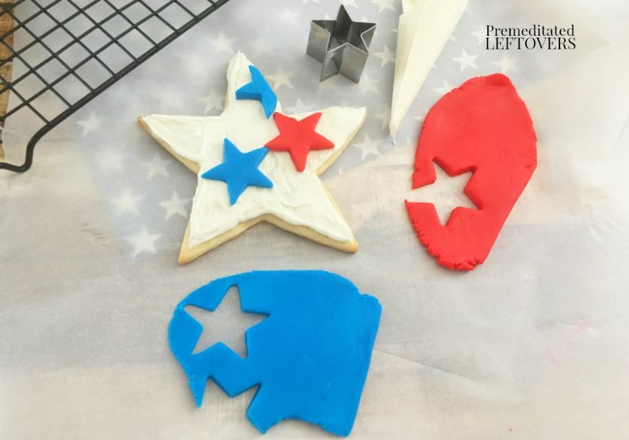 Patriotic Star Cookies - making stars with fondant