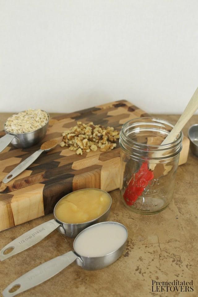 Apple Pie Overnight Oatmeal Recipe - ingredients