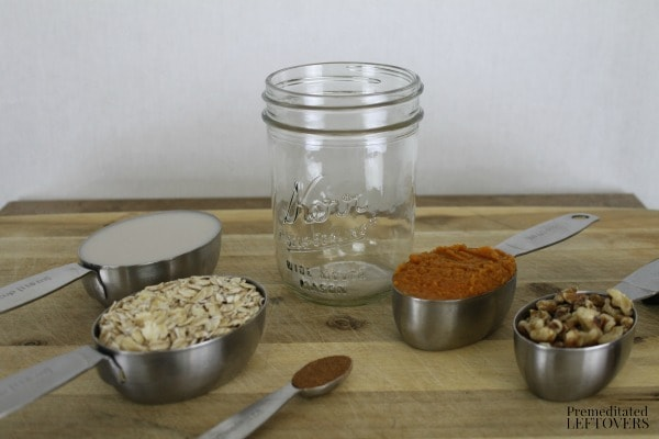 Pumpkin Pie Overnight Oatmeal - ingredients