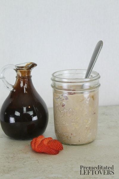 Strawberry Sundae Overnight Oatmeal Recipe