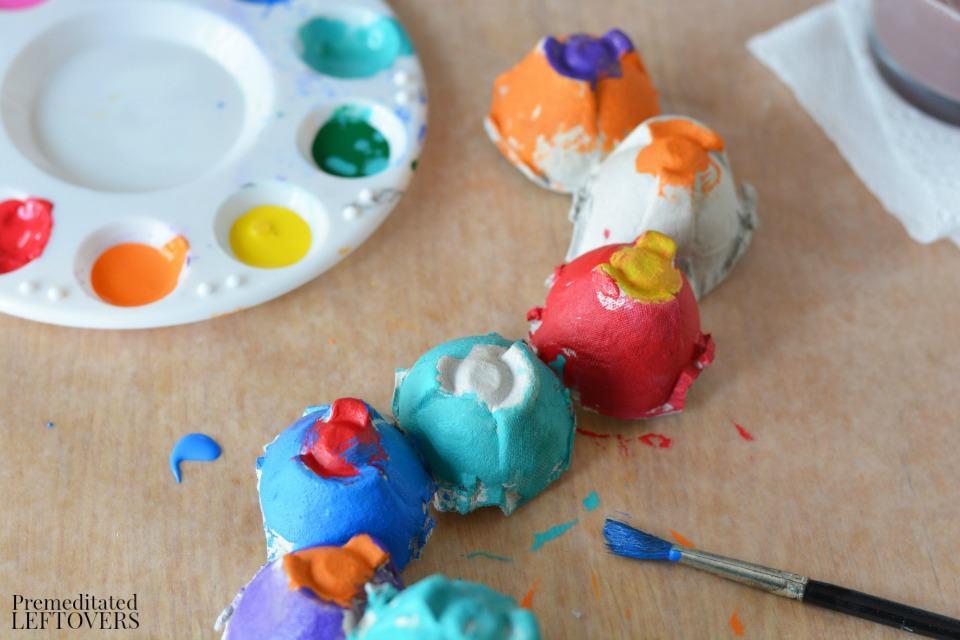 Egg Carton Caterpillar - paint the caterpillar