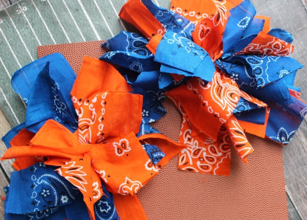 Homemade Pom Poms Tutorial- 1 pair of bandana pom poms
