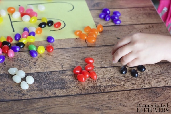 Jelly Bean Counting and Sorting Activity- sorting piles of like colors