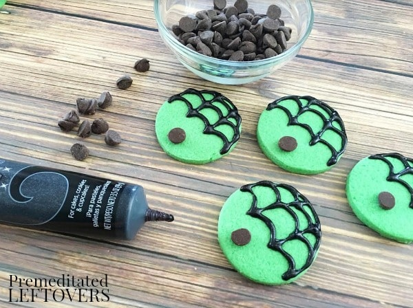 Mint Spider Cookies- adding chocolate chip