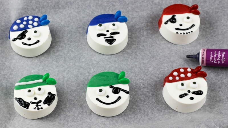 Pirate Chocolate Covered Oreos- red, green, and red pirates
