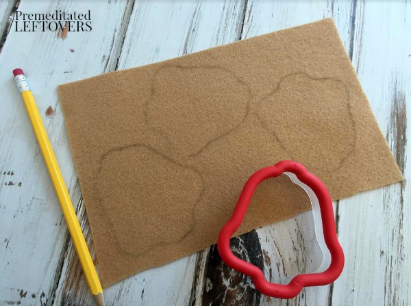 Felt Christmas Cookies- trace cookie cutter