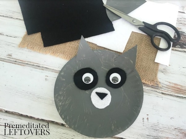 Raccoon Paper Plate Craft- cut eyes and ears