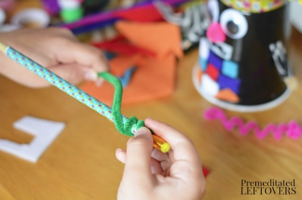 Letter R Robot Craft- make spirals with pencil