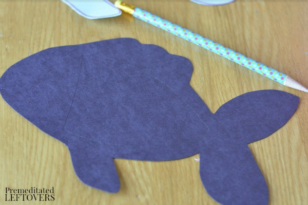 X-Ray Fish Craft for Kids- draw body