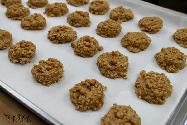 No-Bake Oatmeal Scotchies Cookies Recipe with butterscotch morsels
