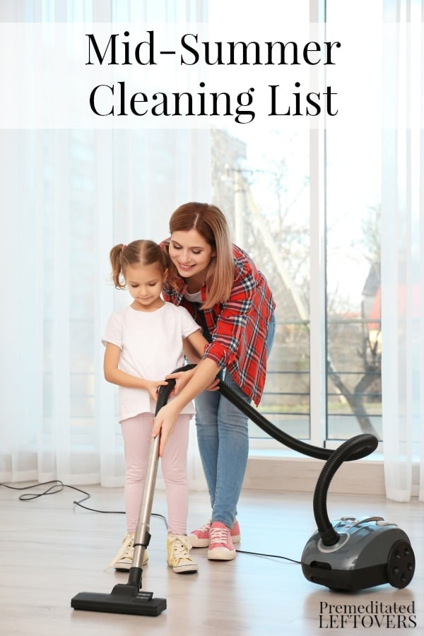 The house gets dirty faster over the summer with the kids home, dragging dirt into the house. Use this Mid-Summer Cleaning List to do your summer cleaning. Includes a printable cleaning checklist