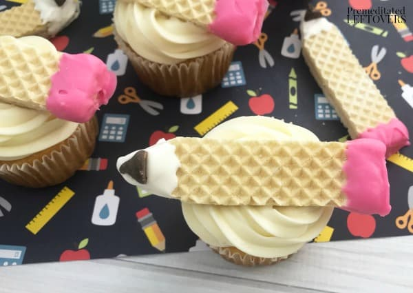 How to make pencil cupcakes using vanilla sugar wafers