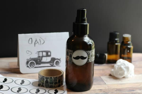 Homemade Conditioning Beard Oil Recipe Using Natural Ingredients