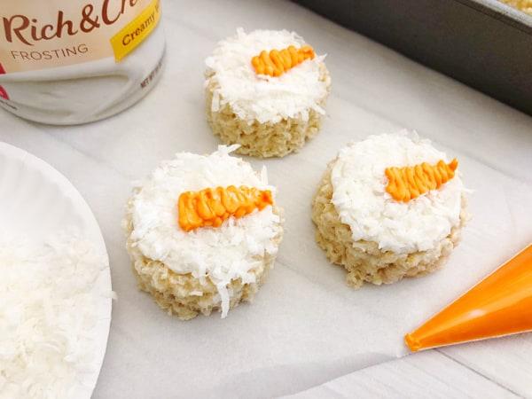 snowman rice krispie treat face