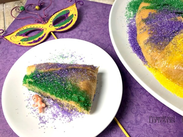 How to make a king cake with Crescent Rolls.