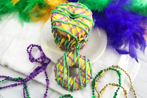 How to make Miniature King Cakes