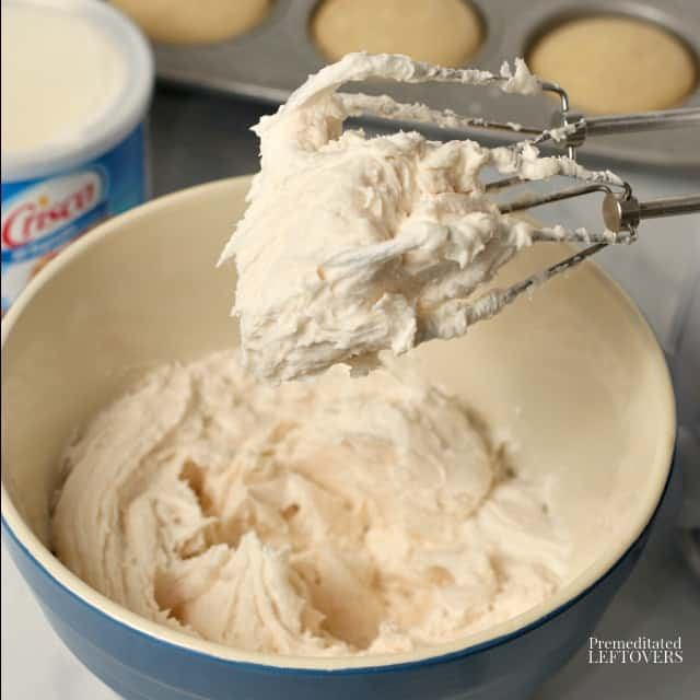 How to make Crisco frosting.